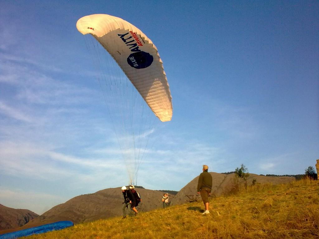Paragliding 150609 (CB05)